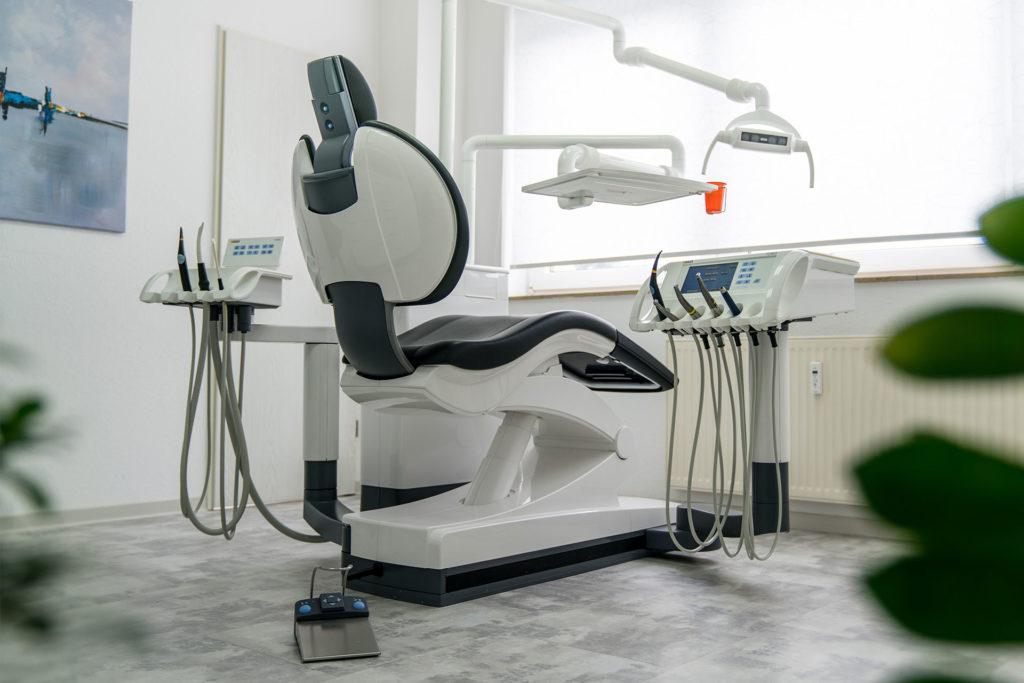 Zahnarztpraxis Jadamus-Stöcker Behandlungsstuhl